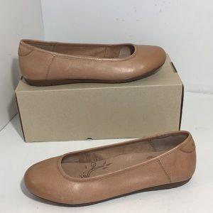 Taos Footwear Rascal Nude Soft Leather Flats